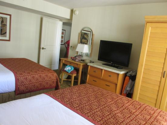 2 Double Bed Suite Picture Of Embassy Suites By Hilton Waikiki