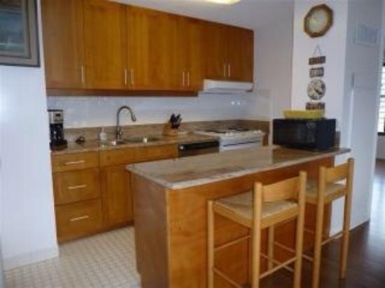Discovery Bay Condominiums : photo0.jpg
