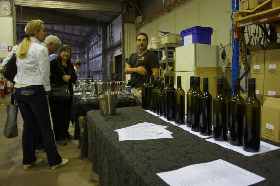 Piggs Peake Winery: Scores of wines at Piggs Peake!