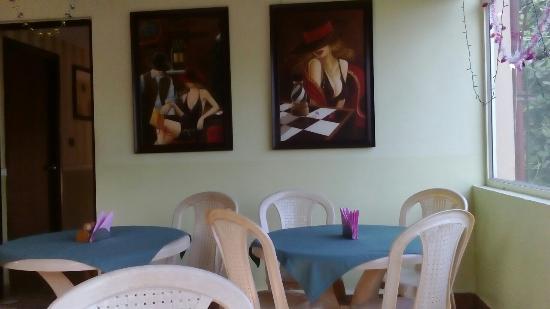 Bhammar's Inn : Small breakfast included
