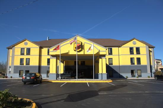 Super 8 Motel Crossville