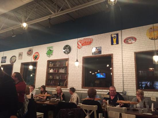 New Cumberland, Πενσυλβάνια: I love this place. From food to atmosphere it's a five for me!