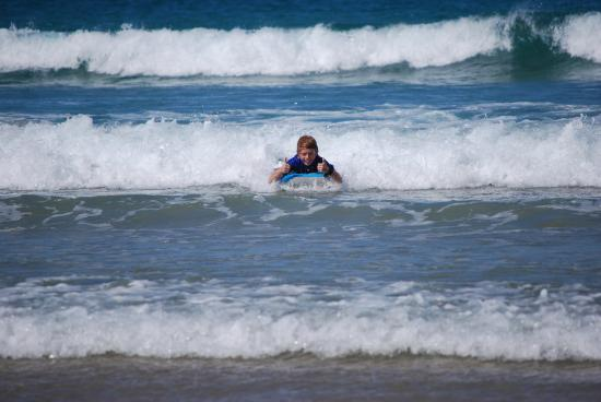 The Peninsular Merimbula : Enjoy the surf