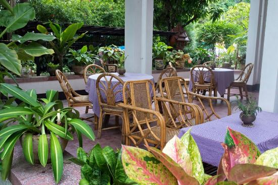 Lani's House By The Ponds: Dinning Terrace