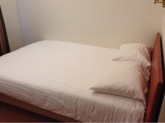 Hotel Astoria: 2-х спальная кровать