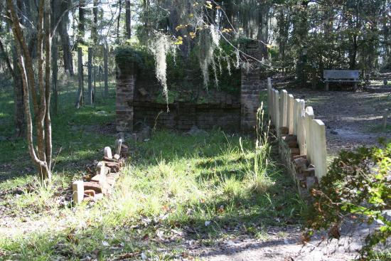 Unique cemetery on Daufuskie Island