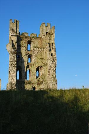 The Carlton Lodge: Helmsley Castle