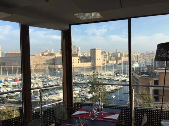 Letto picture of novotel marseille vieux port marseille tripadvisor - Novotel vieux port marseille ...