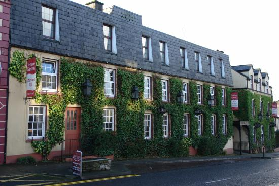 Kee's Hotel, Stranorlar.