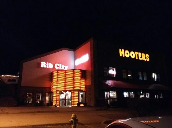 Hooters: 20151117_201409_large.jpg