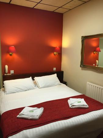 The Bedford Hotel : Double Bedroom