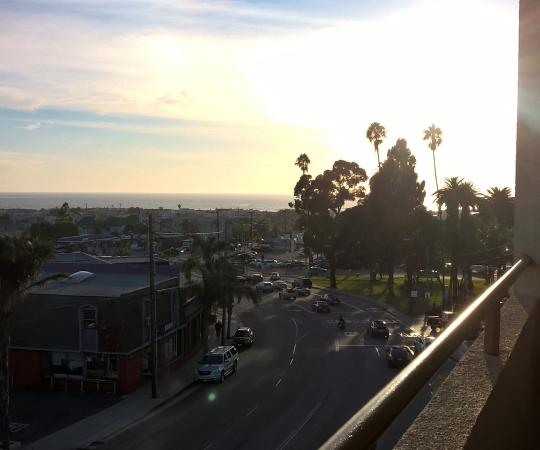 Quality Inn & Suites Hermosa Beach: late afternoon