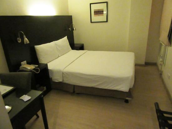 Pearl Lane Hotel: まあ、快適なベッドルーム