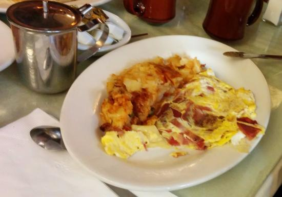 Eat Here Now: Omelette with cheese and bacon