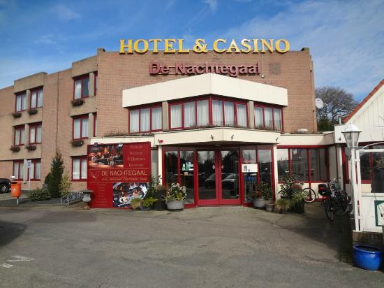 Entree picture of hotel restaurant de nachtegaal lisse for Entree hotel