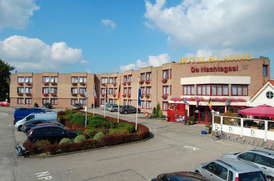 Hotel Restaurant De Nachtegaal: Hotel gebouw