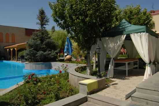 Armenian Royal Palace Hotel : Swimming Pool