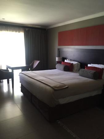 Cresta Riley's Hotel : photo0.jpg