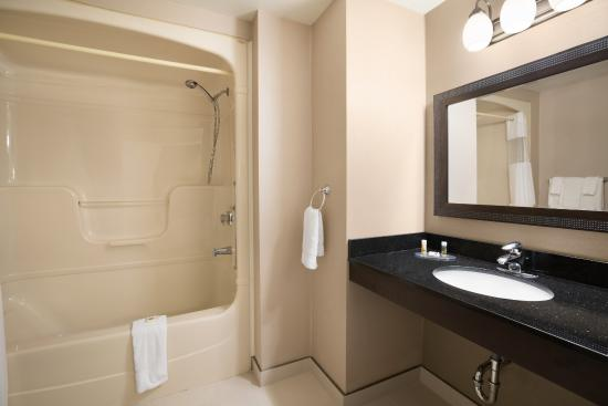 Days Inn Stouffville: Bathroom