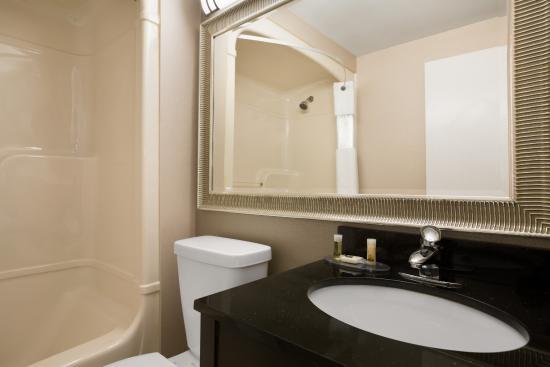 Days Inn Stouffville: Bathroom