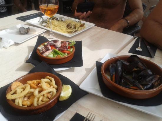 Tris di tapas e spaghetto allo scoglio foto di zazzamita - Buon pranzo in spagnolo ...