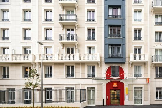 Brand new hotel review of aparthotel adagio access la for Appart hotel suresnes