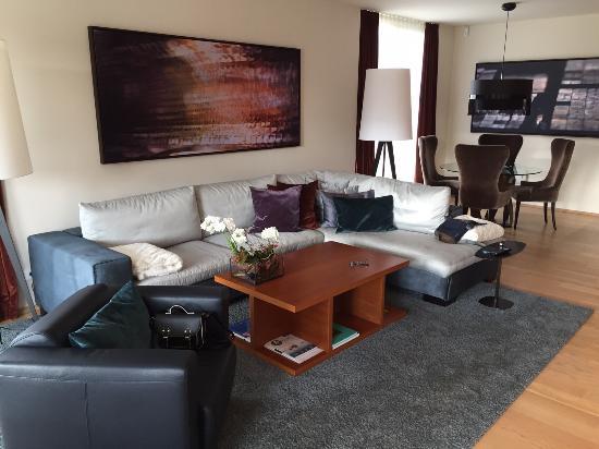 villa wohnzimmer:Geinberg5 Private SPA Villas: Wohnzimmer