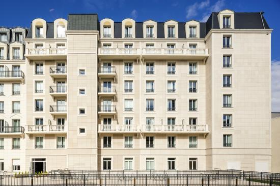 Aparthotel adagio access la defense puteaux hotel france for Apparthotel en france
