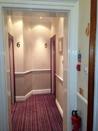 St George Hotel: Corridor