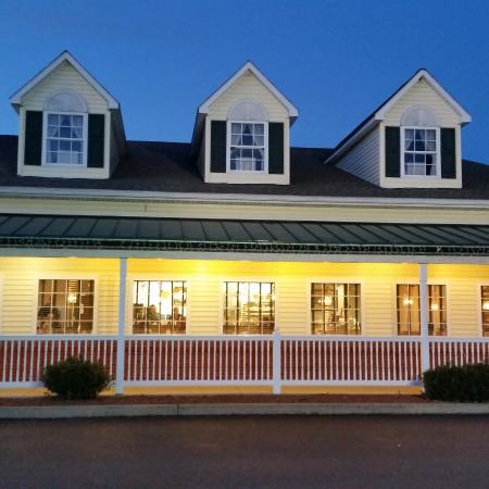 Berwick, Pennsylvanie : The farmhouse look of the restaurant