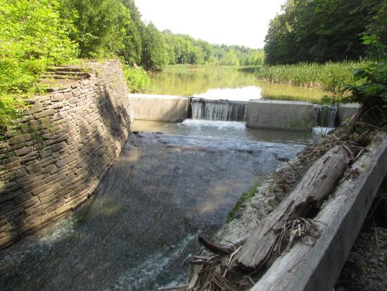 Robert Treman State Park: Lake Treman flowing into Buttermilk Creek