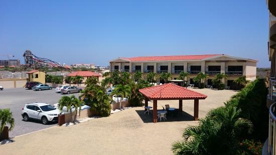 Aruba Breeze Condominium: Vista de la habitacion