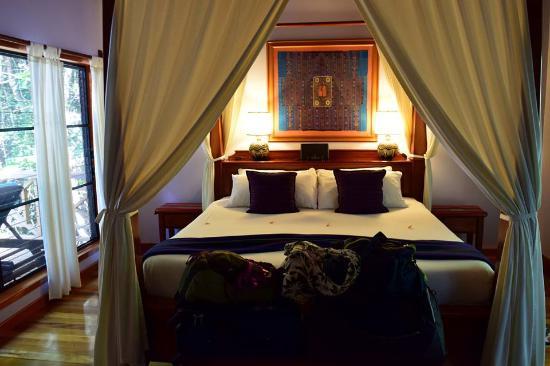 Hamanasi Adventure And Dive Resort: Deluxe Treehouse Bedroom