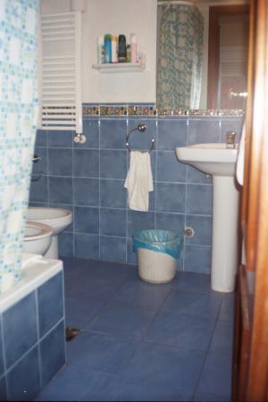 Hotel Canton: nice bathroom
