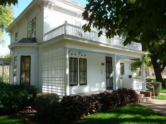 Abilene, KS: Dwight Eisenhower Boyhood Home