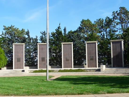 Abilene, KS: Eisenhower Museum Grounds