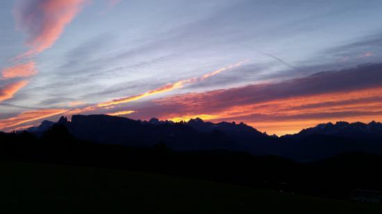 Hotel Naturidylle Geyrerhof: Sonnenaufgang vom Balkon 2
