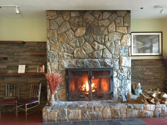 Bear Mountain Inn's Overlook Lodge