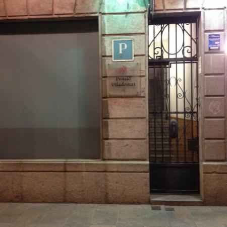 Pensio Viladomat : Acomodação econômica perfeita em Girona