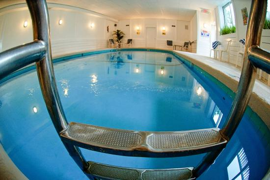 The Inn at Scituate Harbor: indoor heated pool