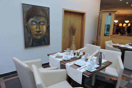 Quality Hotel Augsburg: Café da Manhã