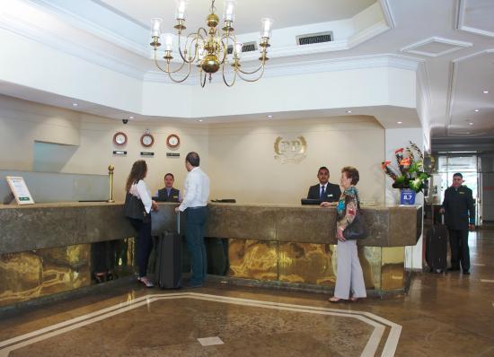Hotel Poblado Plaza: Recepción