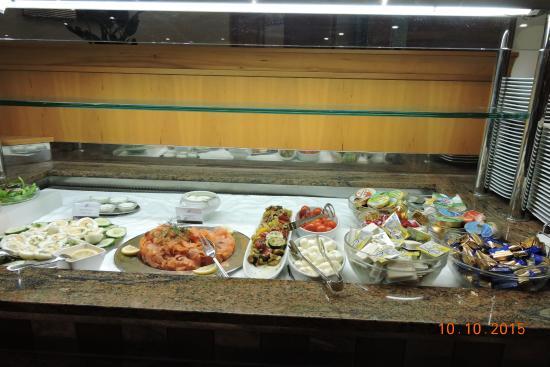 Quality Hotel Augsburg: Bufet do restaurante