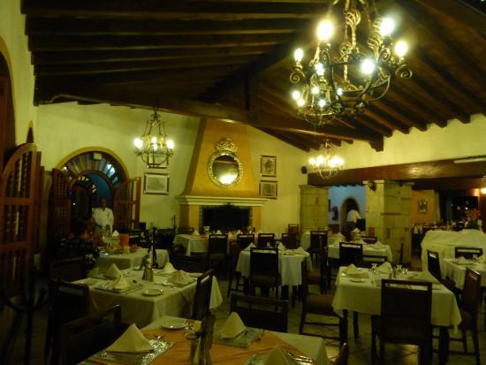 Mision de Los Angeles: Ресторан