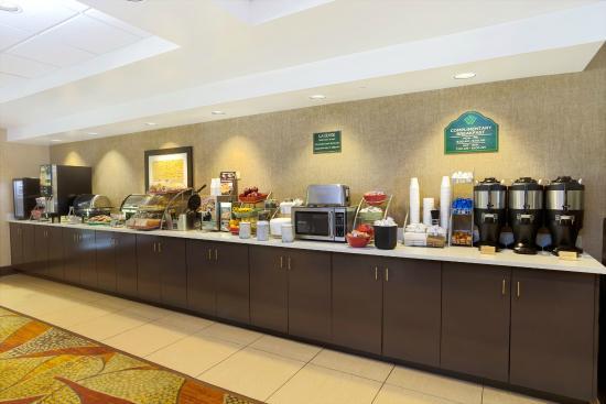 Wingate by Wyndham Raleigh Durham / Airport : Breakfast Area