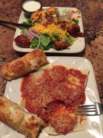 Buck's Pizza: Ravioli and chicken salad.