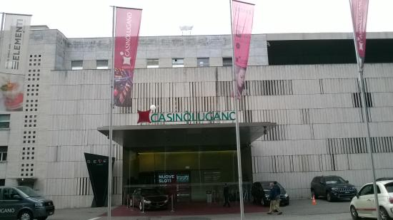 Casino Lugano: Перед входом в казино