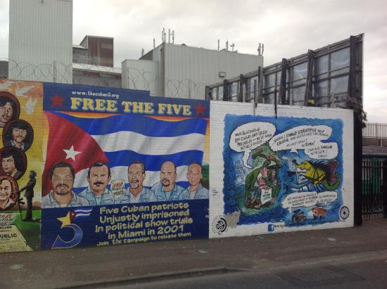 Belfast murals july 2013 picture of belfast mural tours for Mural in belfast