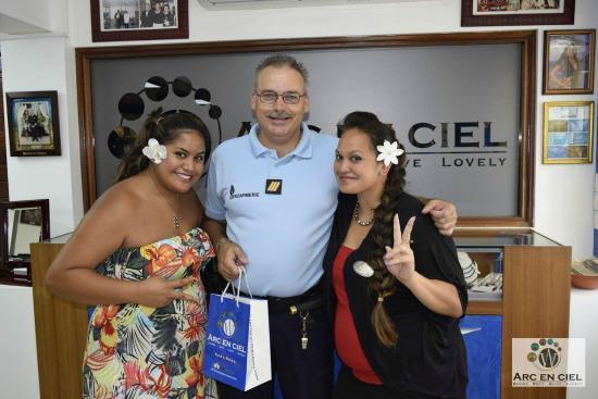 Arc En Ciel Bora-Bora : Les gendarmes viennent trouver leur bonheur!