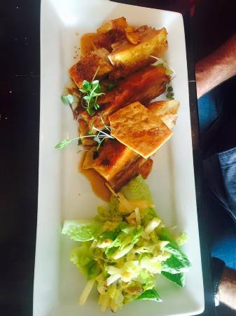 New Plymouth, Nueva Zelanda: Pork Belly with Waldorf Salad